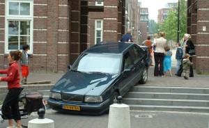 Autosloperij Den Bosch heeft ook gelachen om deze sloopauto na een bizar ongeval
